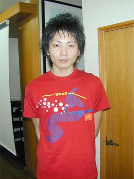 ユニクロと昭和シェルとのコラボレーションTシャツ
